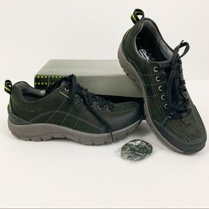 Clarks 6 Wide Wave Trek Waterproof Hiking Sneakers